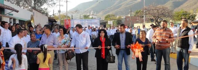 Inauguran,parte de la calle Porfirio Dìaz en San Juan Cosalà