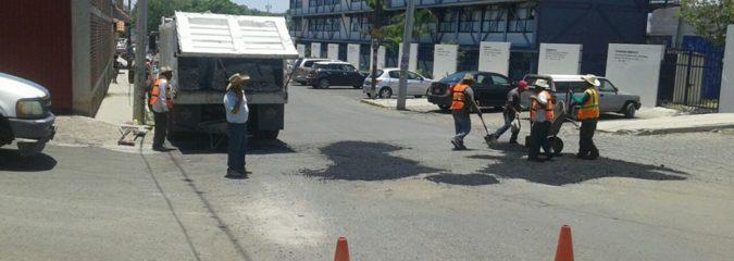 BACHEO CON MEZCLA ASFÁLTICA,EN CALLE DONATO GUERRA,JOCOTEPEC JAL.